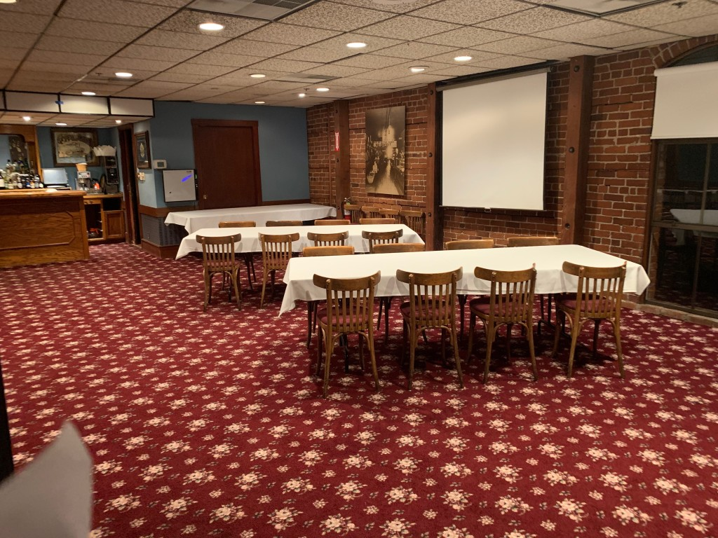 Banquet Room/Projector Screen